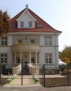 04_1_Einfamilienhaus_Gartenseite_neu_Richee